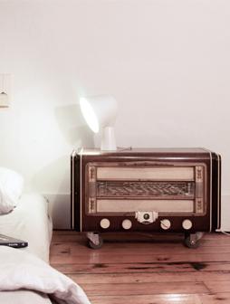 atelier 4/5 - atelier4cinquieme - mobilier - reuse slow design - brocante - table de nuit - récup - rolling radio